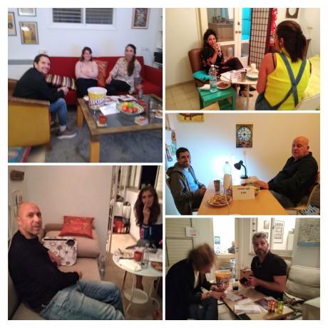 5 פינות ישיבה מלאות ב-5 מפיקיםות ומשתתפיםות